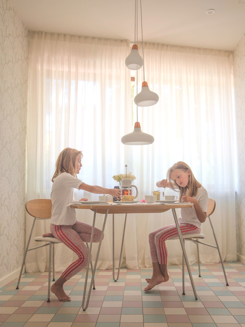 2018_AUGUST_SISTERS_DINING_edited_edited