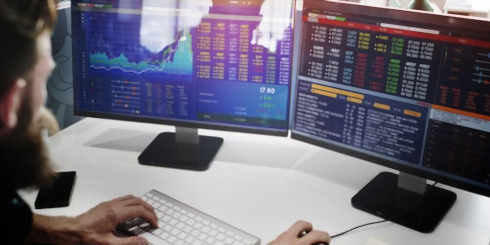 ¿Cómo aprovechar la cuádruple hora bruja en trading?