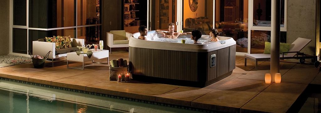J-480-Hot-Tub-Lifestyle.jpg