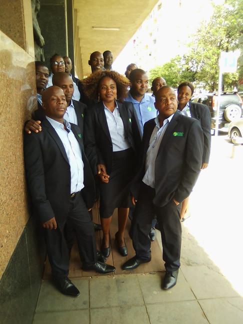 Grupo Coral do CISM, na entrada da Rádio Moçambique