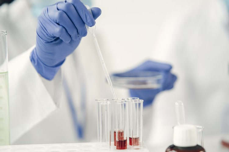 pesquisa-medica-conceito-de-coronavirus-