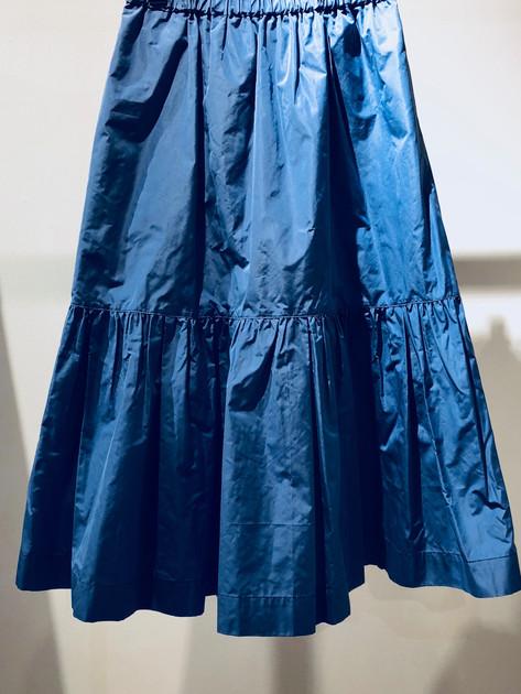 Skirt ¥18,000