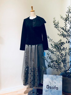 D19 Tops ¥19,000            D13 Skirt ¥27,000