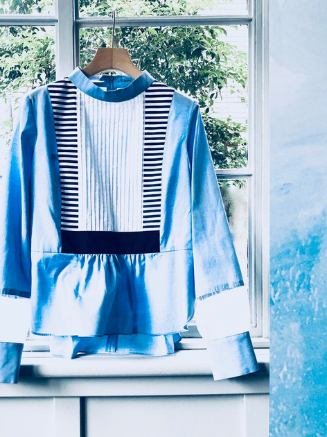 D83 Blue sky tack blouse