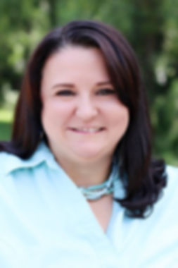 2018 - Julie profile photo.jpg