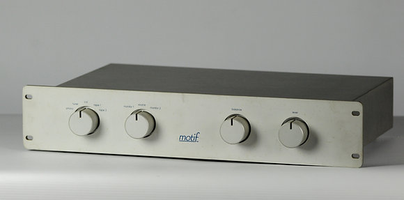Conrad Johnson Motif MC 8