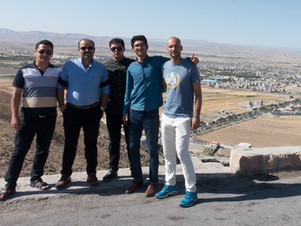 Un'intera famiglia iraniana mi aspetta | Shirvan