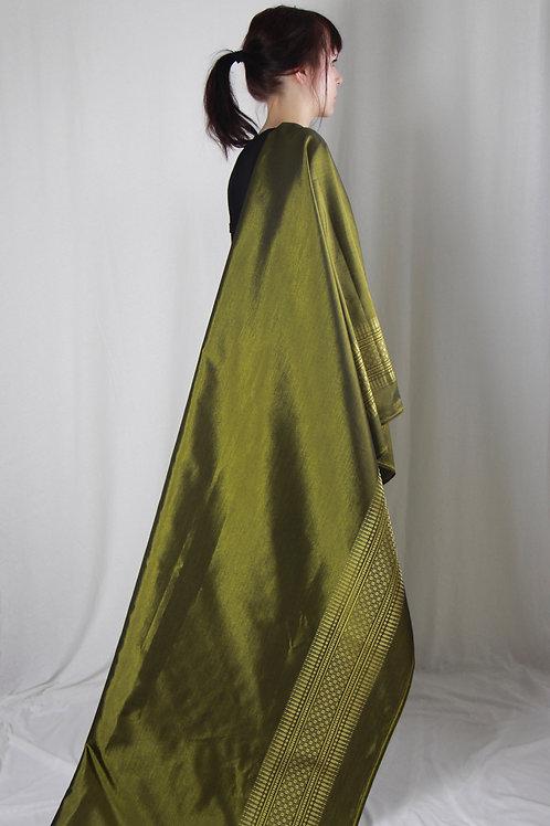 Olive farbender Sari