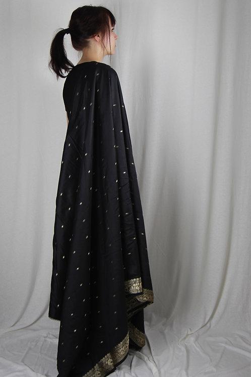Schwarzer Seiden-Sari