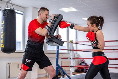 MMA, Thai- & Kickboxen, Wing Combat, BJJ, Wing Weapon und Yoga & Fitnesskurse in Münschen Trudering