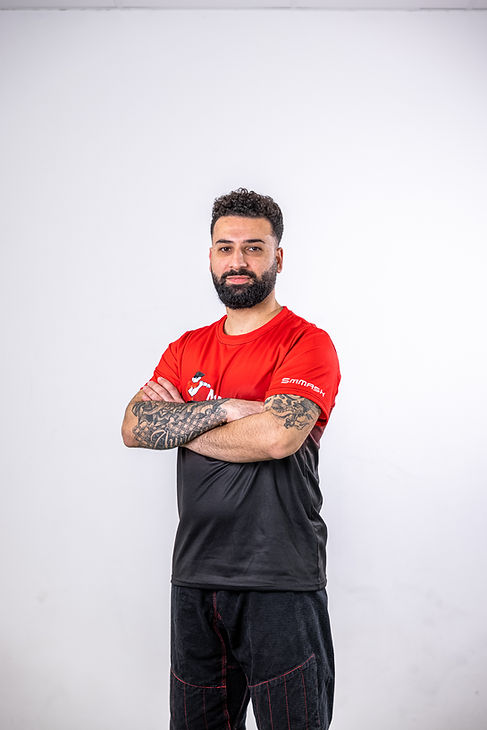 Sivant Abdulwahid für MMA, Thai- & Kickboxen, Wing Combat, BJJ, Wing Weapon, Kampfsport und Yoga & Fitnesskurse München Giesing