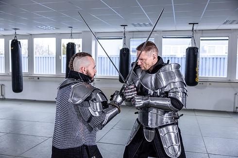 Studio für Wing Weapon Ausbildung für MMA, Thai- & Kickboxen, Wing Combat, BJJ, Wing Weapon, Kampfsport und Yoga & Fitnesskurse in Nürnberg