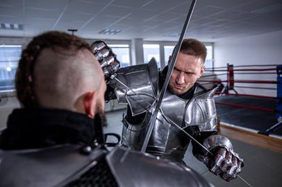 Ausbildung für MMA, Thai- & Kickboxen, Wing Combat, BJJ, Wing Weapon und Yoga & Fitnesskurse in München Trudering