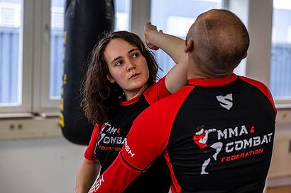 MMA, Thai- & Kickboxen, Wing Combat, BJJ, Wing Weapon und Yoga & Fitnesskurse in Freilassing
