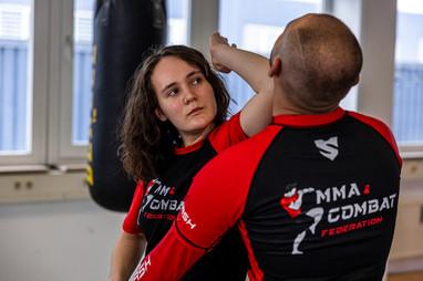 Ausbildung für MMA, Thai- & Kickboxen, Wing Combat, BJJ, Wing Weapon, Kampfsport und Yoga & Fitnesskurse München Giesing