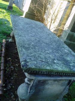 O 21Table Tomb