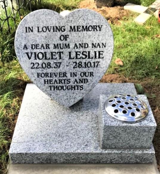 Leslie.jpg