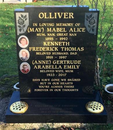 Additional inscription Olliver.jpg