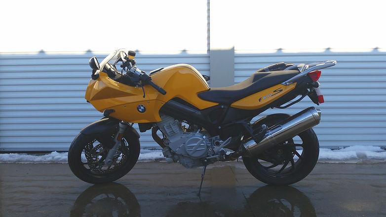 gelbes Motorrad