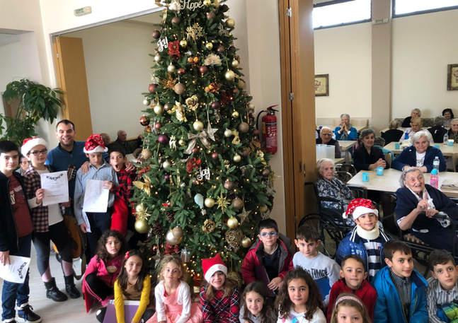 Christmas 2019 Redestos 02.jpg