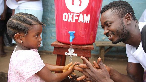 oxfam-wasser-nepal-haendewaschen-89305.jpg
