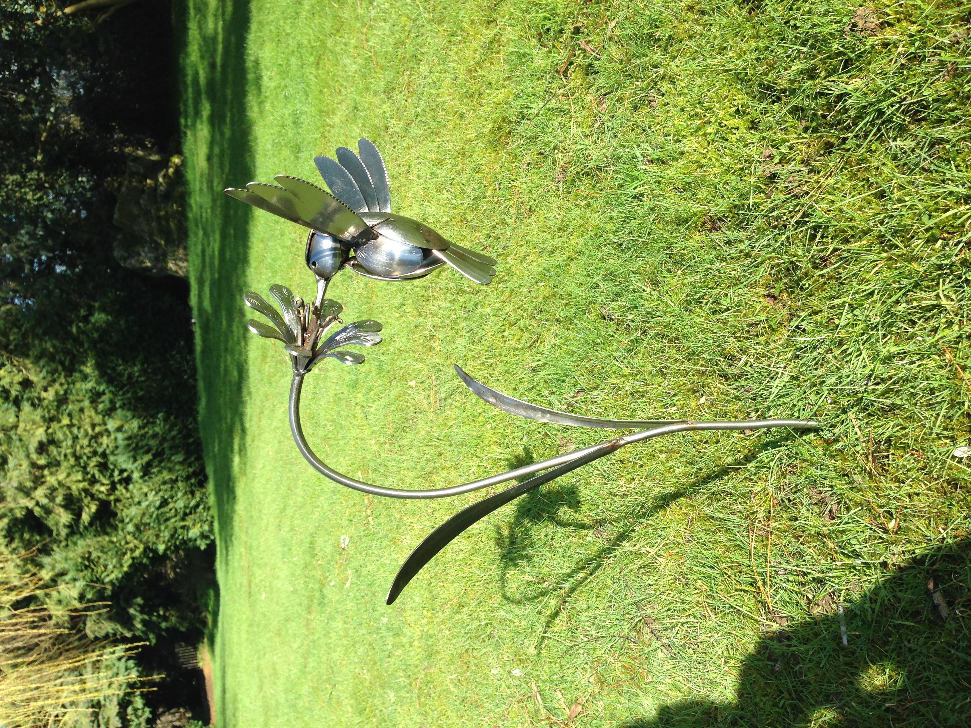 Cutlery Hummingbird