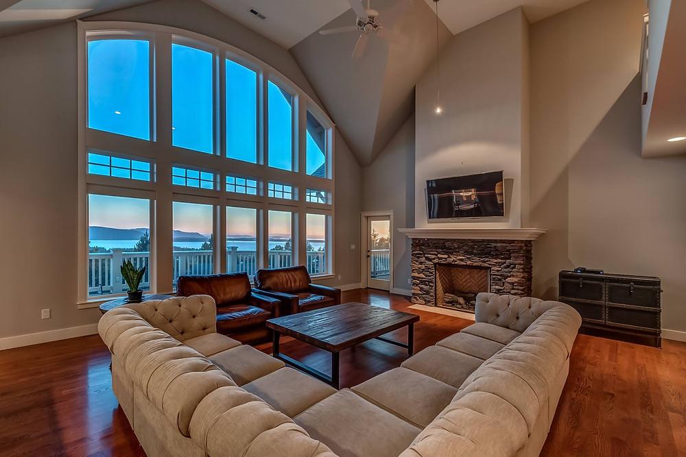 Living room in Semiahmoo