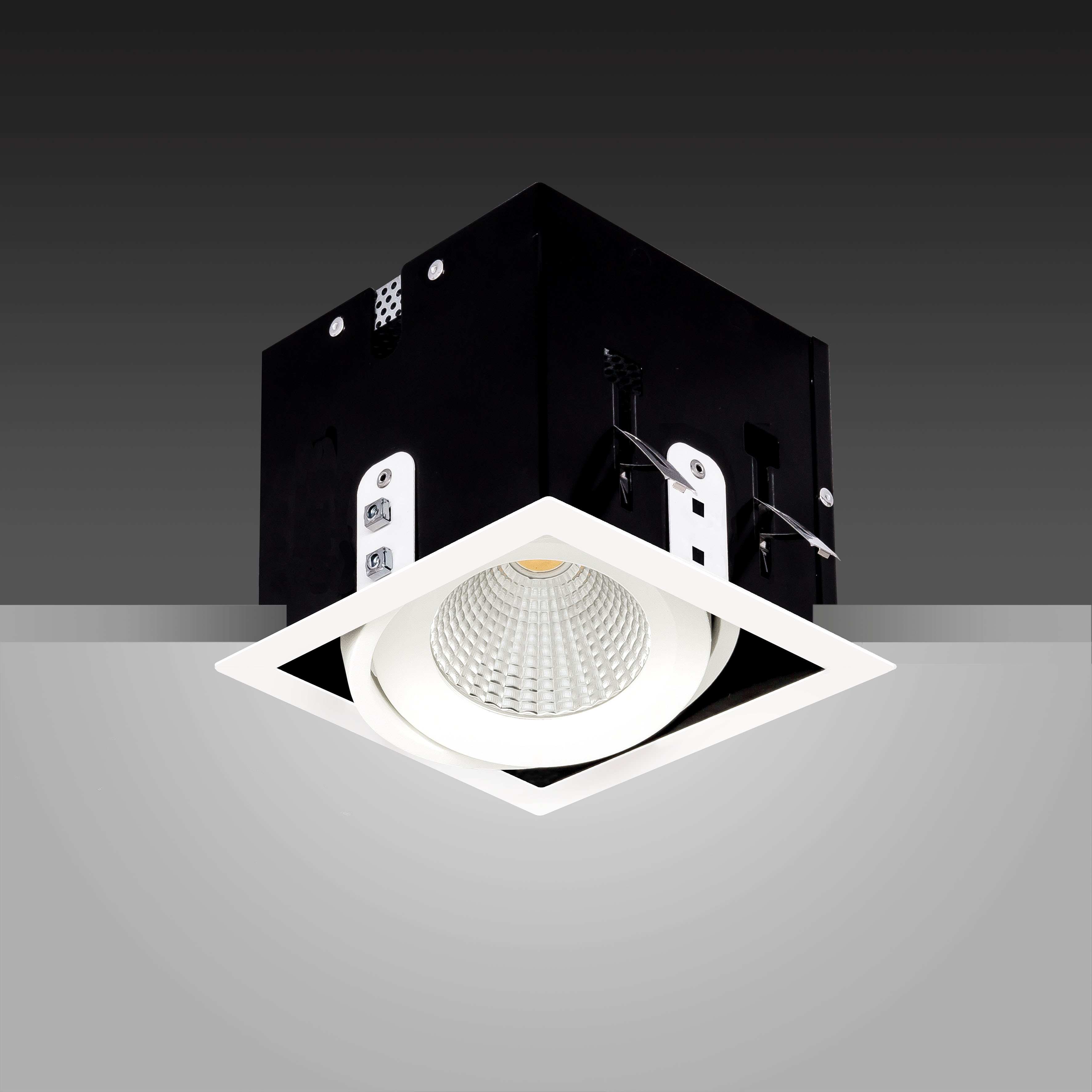 Array Solo Ceiling White