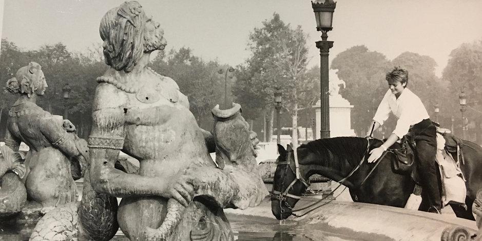 Belinda Braithwaite with her horse, Dragon in the Place de la Concorde, Paris