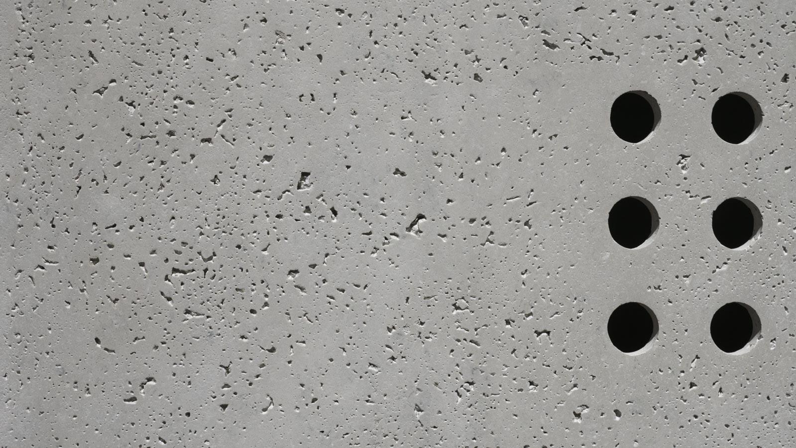 AT Betonowe szafka RTV z wentylacja20160524-_1030499-2 kamil konarski anna tasarz