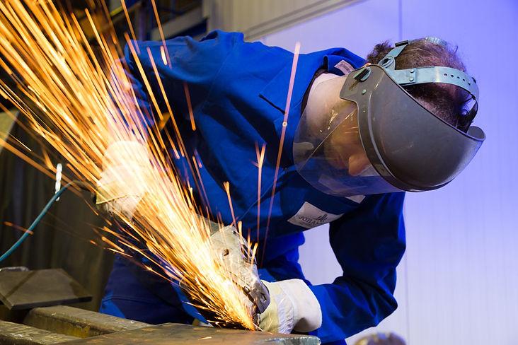 Công ty Tescom Sản xuất quạt công nghiệp BlueFan, quạt thông gió, phụ kiện quạt, sản phẩm trong hệ thống thông gió.