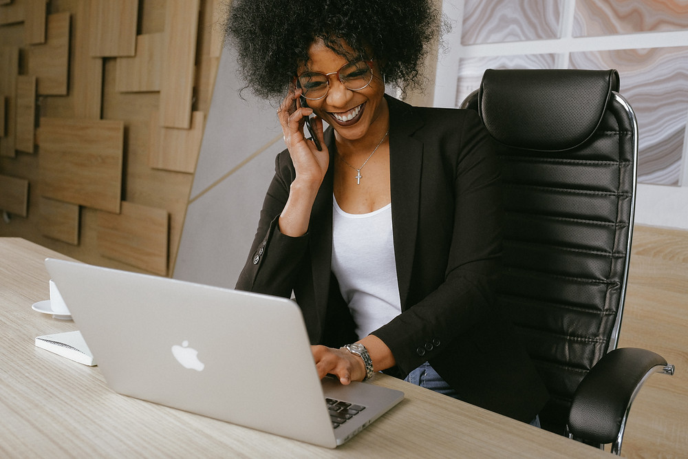 Insurance agency team member calls customers a week after their meeting to follow up.