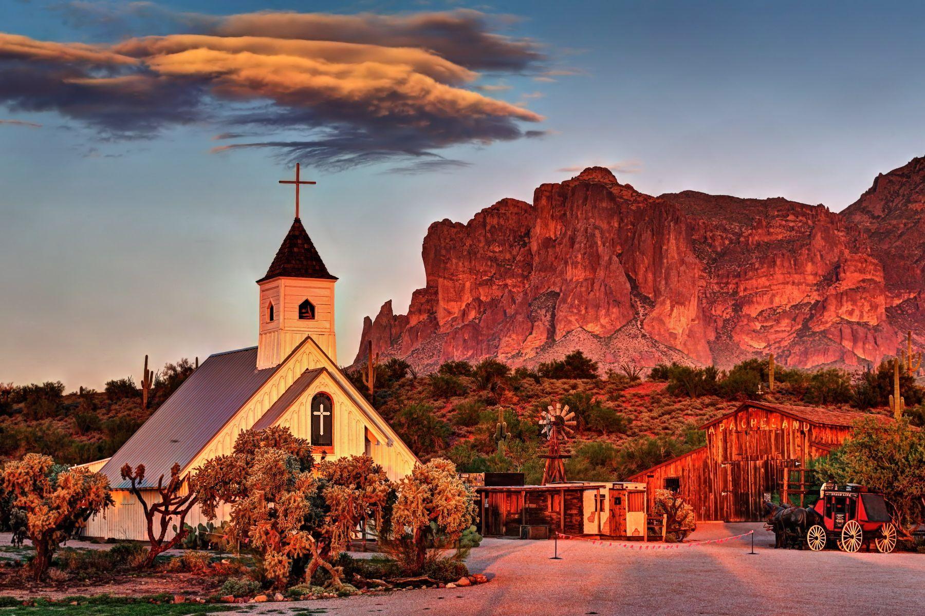 Apache Junction, AZ - Elvis Chapel