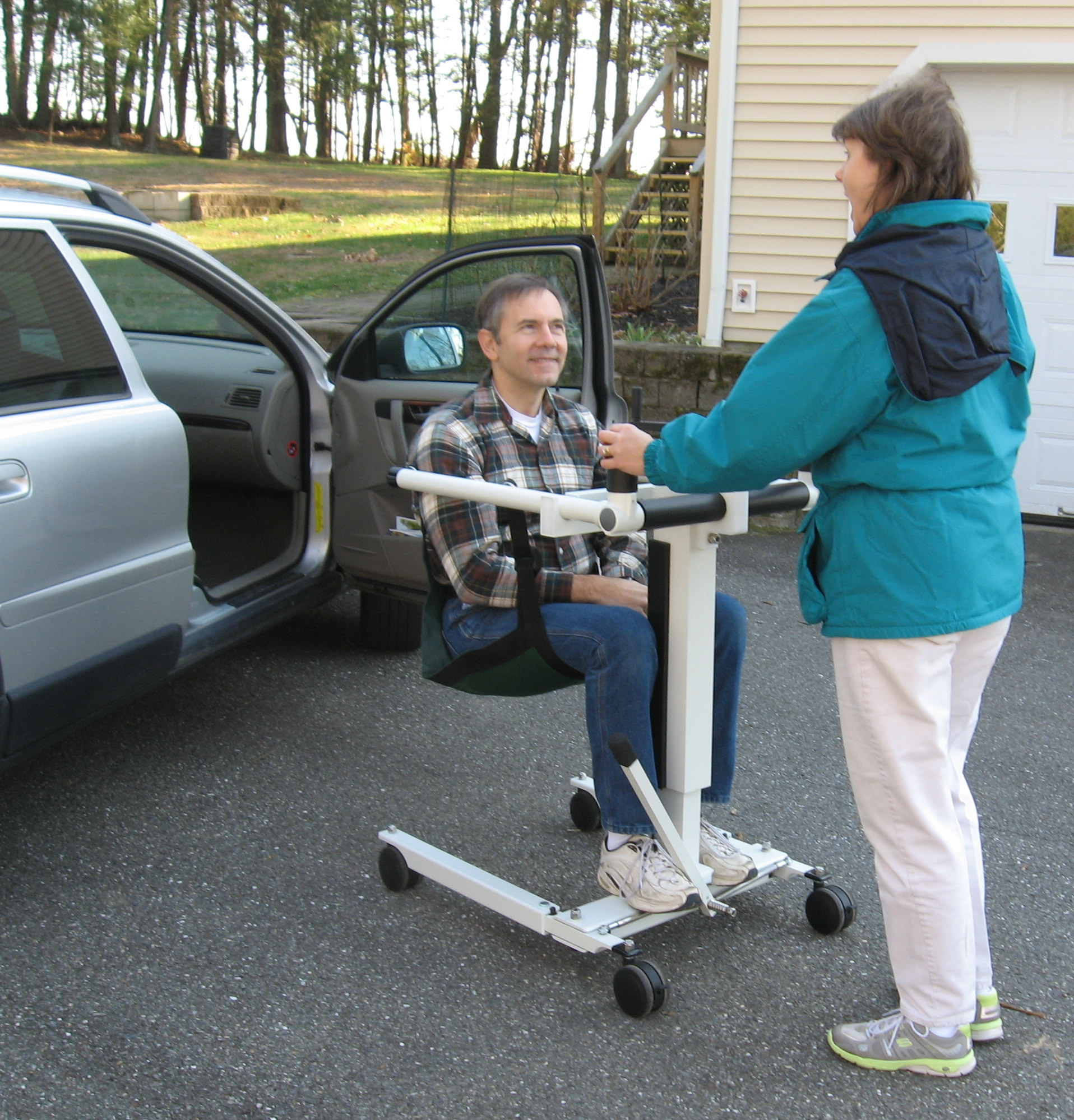 Auto Lifts For Disabled : Portable handicap patient lift take along lifts