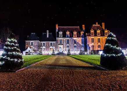 Facade-chateau-illuminee.jpg