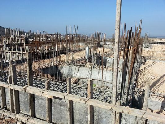 אתר בנייה בשלבים ראשוניים