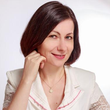 Gabriela Elena Dura