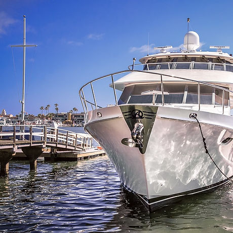 yacht-2679489_960_720.jpg