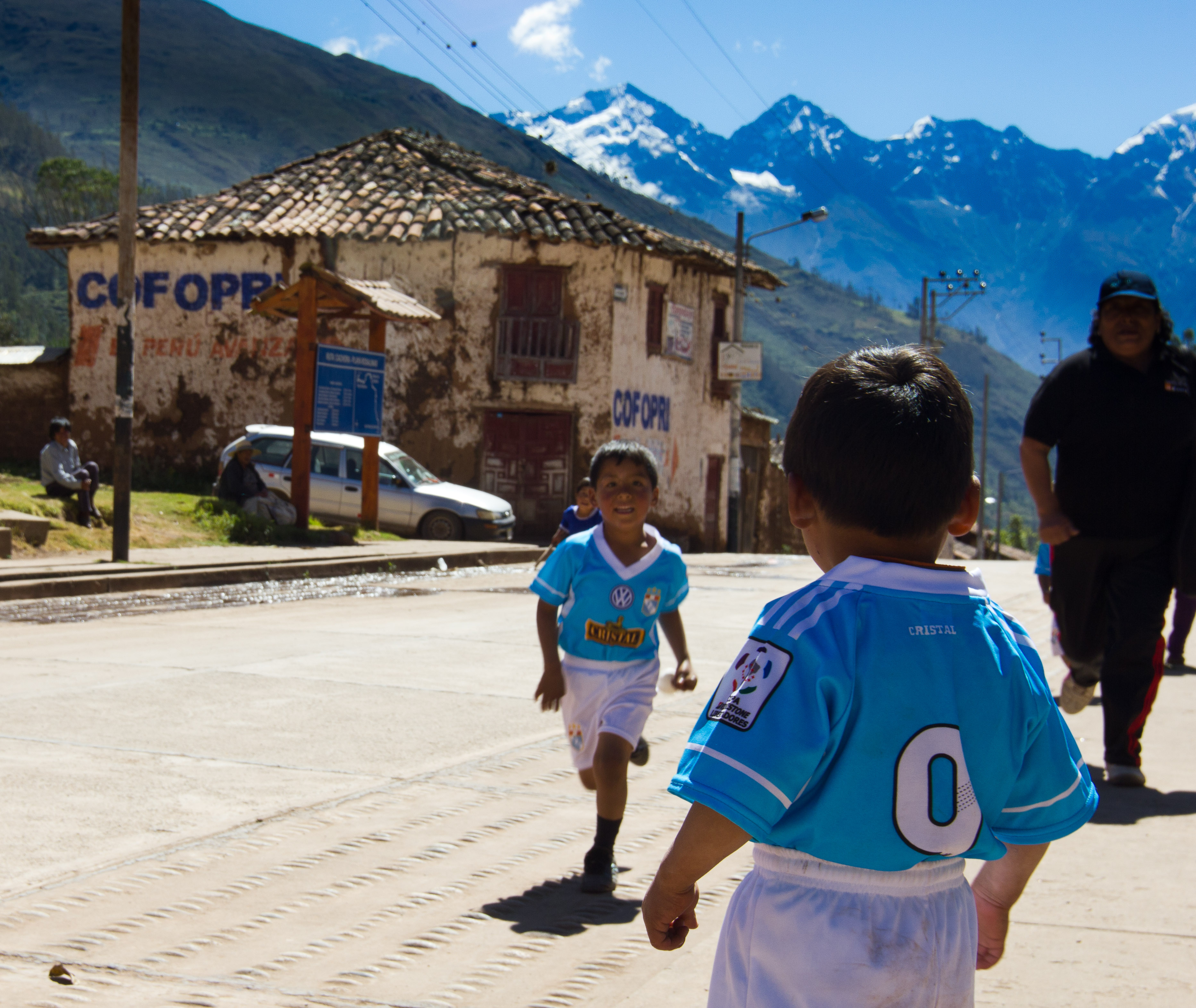 Competition at Cachora village, Peru