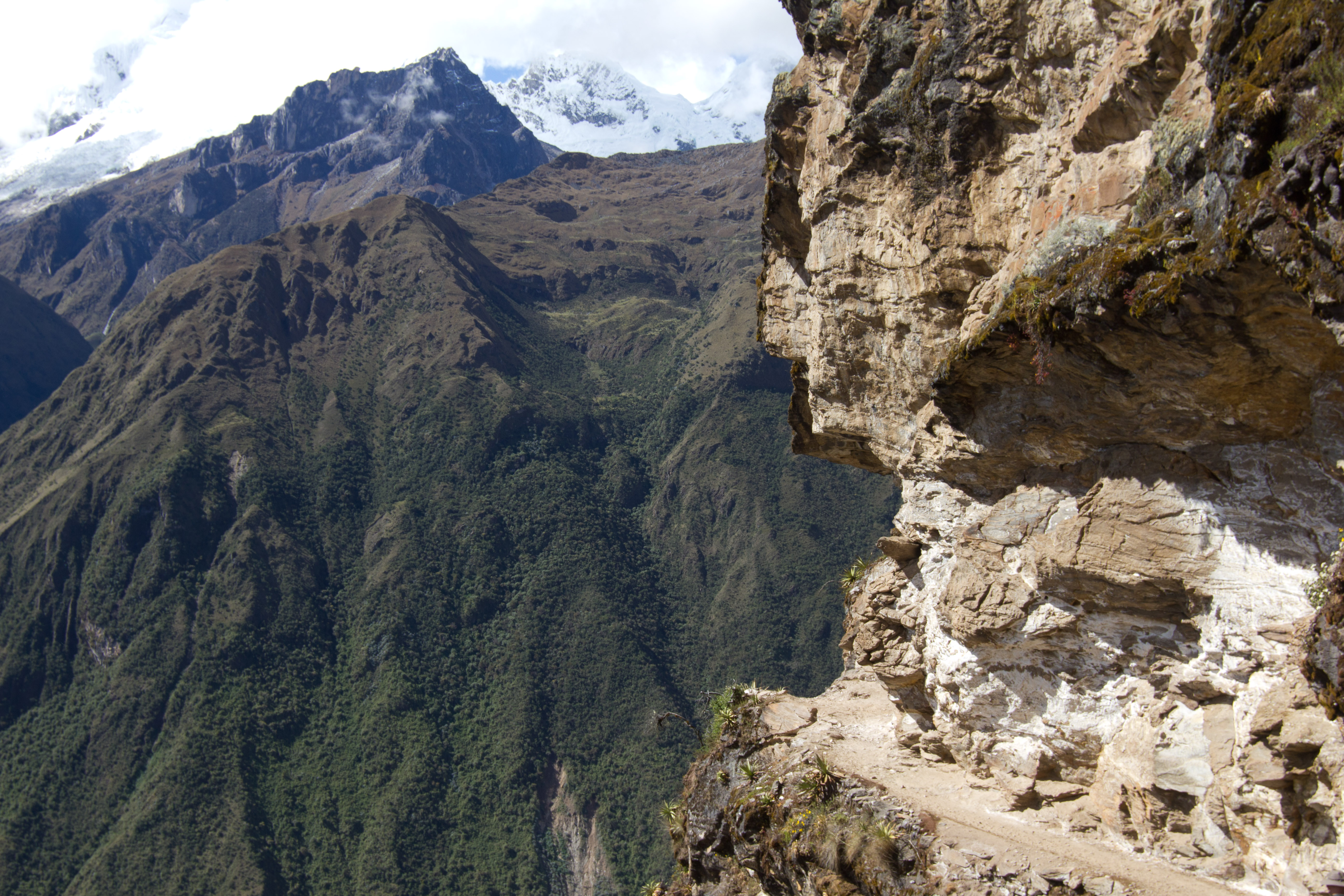 Descend to Valley , Peru