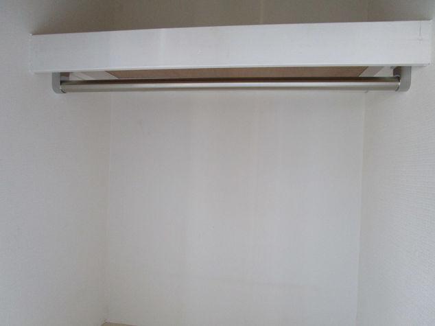 枕棚付き パイプハンガー