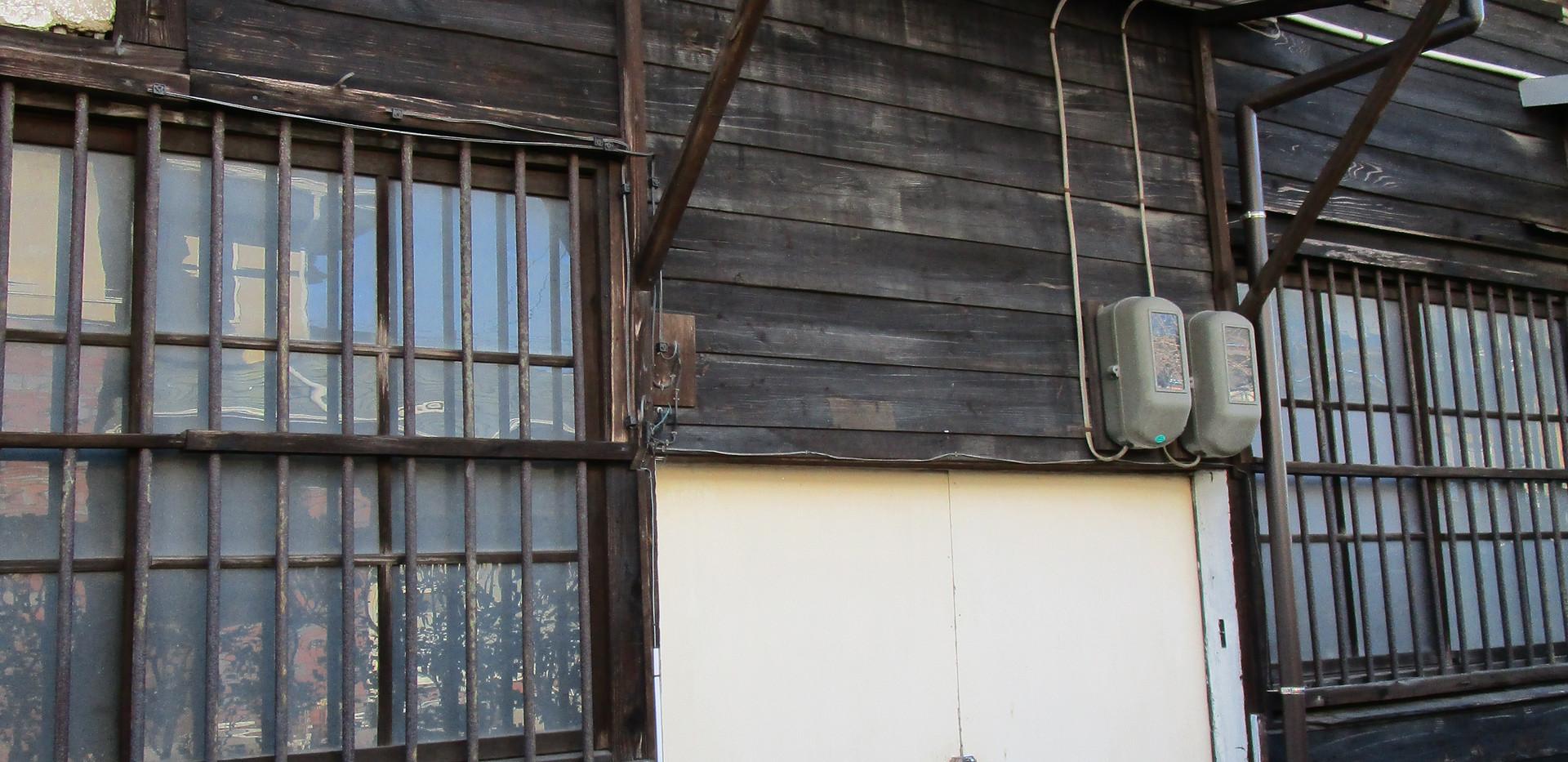 倉庫 E号室入口