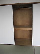 枕棚付2段の押入れ パイプハンガー付