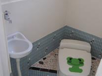 便座付和式トイレ 手洗い付き