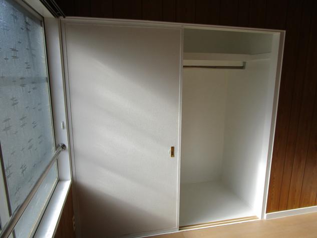 洋室6畳間のクローゼット