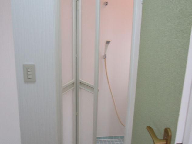 浴室(中折れドア)入口
