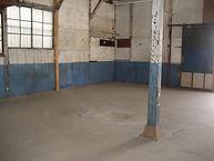 一宮 倉庫・工場として利用できます。床はフローリングで、作業場としても最適です。