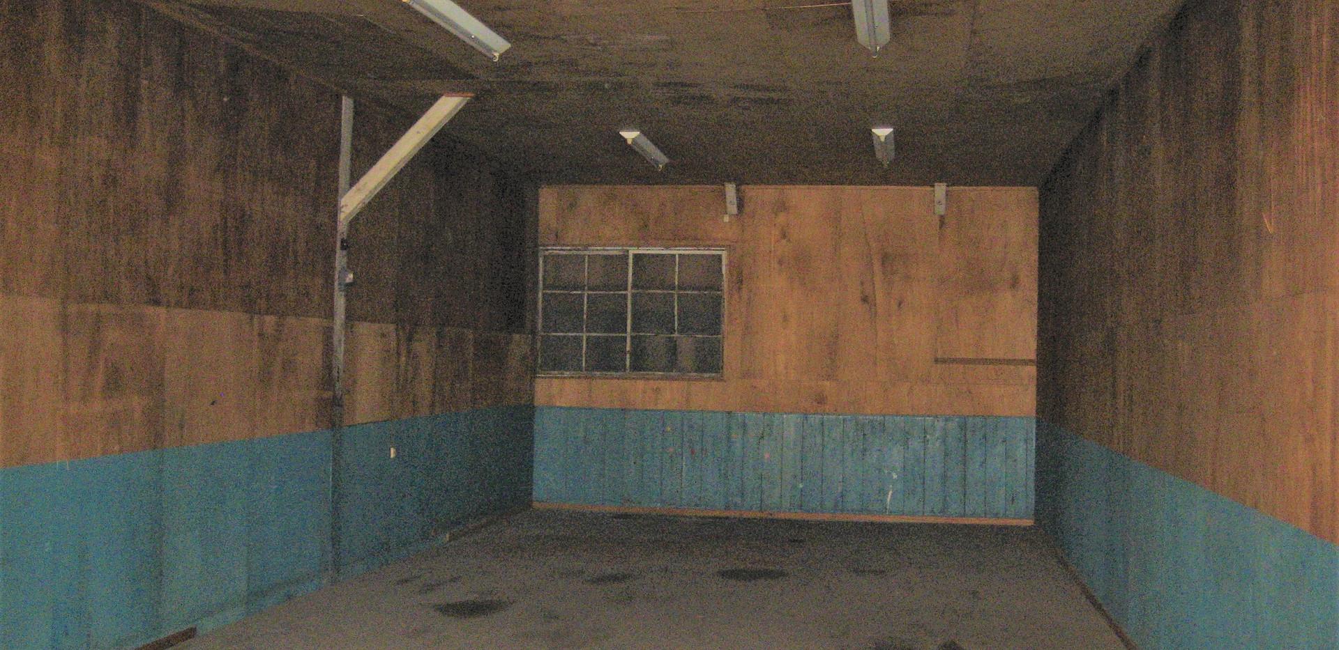 倉庫 E号室内部