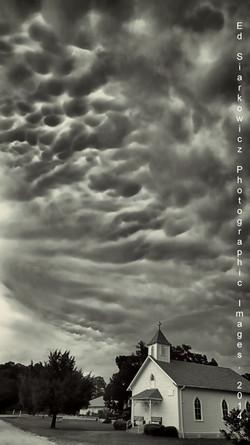 Storm Clouds Mammatus II Korona 04.15.2014