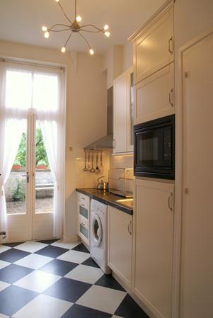 Kleine keuken (wasmachine + extra koelkastje)